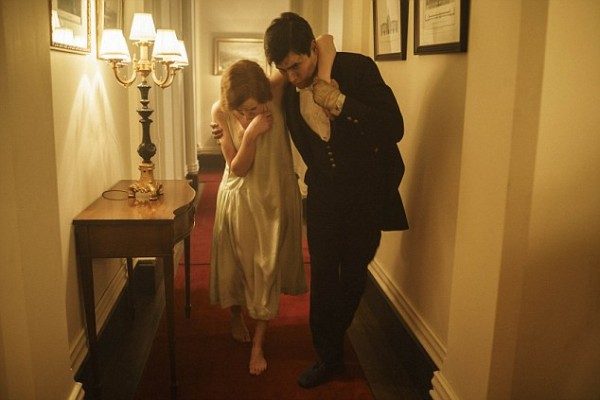 Edith and Thomas escape fire on Downton Abbey